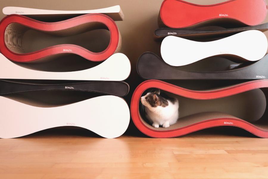 Kartonová škrabadla pro kočky